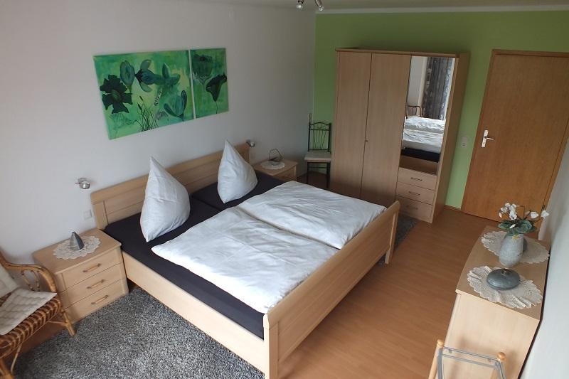ulis ferienwohnung die ferienwohnung wird vorgestellt. Black Bedroom Furniture Sets. Home Design Ideas